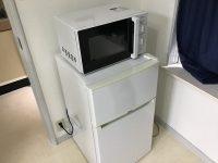85L冷蔵庫、電子レンジの写真