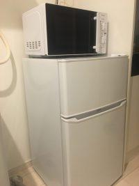 家電レンタル85L冷蔵庫、電子レンジの写真
